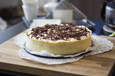sweetsbyc.blogg.se - Chocolate filled banofee pie with walnuts http://sweetsbyc.blogg.se/2015/august/chocolate-banofee-pie-with-walnuts.html