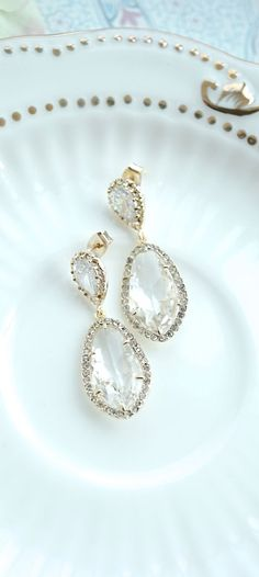 Large Teardrop LUX GOLD Plated Cubic Zirconia, Clear Glass Drop Earrings. Bridesmaid Gift, Lux Crystal Gold Wedding Earrings, Bridal Jewelry by Marolsha https://www.etsy.com/listing/225376328/large-teardrop-lux-gold-plated-cubic