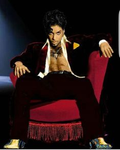 Just look at him in his early glory days Prince Images, Pictures Of Prince, Paisley Park, Young Prince, My Prince, Prince Shoes, Minneapolis, Prince And Mayte, Prince Purple Rain