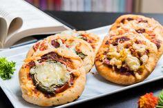recept na chutné mini pizze - KAMzaKRASOU.sk Salmon Burgers, Eat, Ethnic Recipes, Food, Salmon Patties, Eten, Meals, Diet
