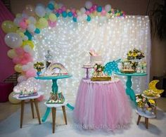 No photo description available. Unicorn Birthday Parties, Birthday Balloons, Unicorn Party, Baby Birthday, Balloon Decorations, Birthday Party Decorations, Baby Shower Decorations, Deco Ballon, Unicorn Baby Shower