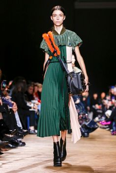 Chitose Abe shows her label's fall looks.