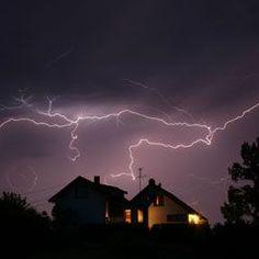Very informative article on capturing Lightning shots via long exposure settings. :)