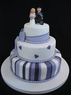 Violet wedding cake with bikers
