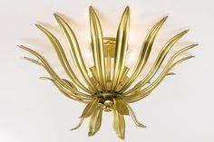 Wunderschöne Lichtquelle. In Handarbeit gefertigt. In 3 Farben und 2 Größen. In 3 Farben und 2 Größen. Materialzusammensetzung: Obermaterial: 100% Metall...