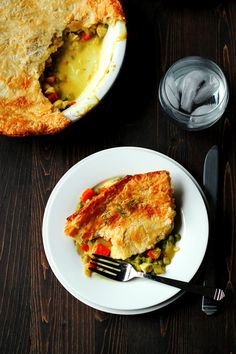 Recipe for Chicken Pot Pie – Lightened up and Dairy Free via @CookswCocktails