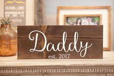 Daddy to be sign Husband reveal Surprise pregnancy announcement Daddy established sign Baby announcement Baby coming Pregnancy surprise