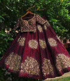 Shop lehenga set on WaliaJones Indian Bridal Outfits, Indian Bridal Lehenga, Indian Designer Outfits, Red Lehenga, Lehenga Choli, Lehenga Wedding, Bridal Sarees, Pakistani Bridal, Bridal Lehngas
