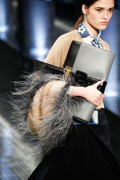 Prada Spring 2017 Ready-to-Wear Fashion Show Details  Dieses Produkt und weitere MIU MIU Taschen jetzt auf www.designertaschen-shops.de/brands/miu-miu entdecken