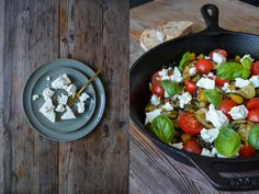 Left: ferm LIVING Neu Plates - http://www.fermliving.com/webshop/shop.aspx?eComSearch=True&ID=14&eComQuery=Neu+Plate  Photo Credits: eat in my kitchen / Meike Peters