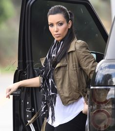 I love her slicked back ponies! O and the glam outfit... ;)