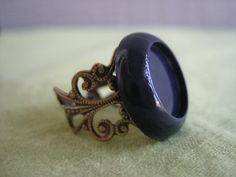 super cute navy ring! i waaaant