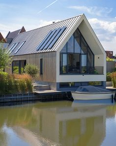 Longhouse by Architecten Studio-PLS Architecten fassade Longhouse StudioPL Longhouse by Architecten Studio-PLS Architects fassade Longhouse StudioPLS Modern Barn House, Long House, Design Living Room, Home Design Plans, Bungalows, Exterior Design, Modern Architecture, Building A House, House Plans