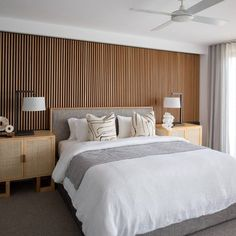 Tasmanian oak bed head wall feature hand made in Australia Timber Feature Wall, Timber Wall Panels, Feature Wall Bedroom, Timber Walls, Bedroom Wall, Timber Beds, Oak Beds, Wall Behind Bed, Bed Wall