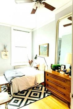 Homey bedroom with neutral bedding framed art and gold ikea decorating ideas cozy bedrooms . Cozy Small Bedrooms, Small Bedroom Interior, Small Bedroom Designs, Small Room Bedroom, Modern Bedroom, Bedroom Decor, Bedroom Ideas, Cozy Bedroom, Bedroom Furniture