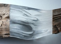 The sculptures by Dutch artist Diederik Storms, based in Bellingwolde, who mixes with subtlety petrified wood, stone and plexiglass to provide transparency Patterns In Nature, Textures Patterns, Nature Pattern, Organic Sculpture, Journal Du Design, Resin Sculpture, Wooden Sculptures, Abstract Sculpture, Plexiglass