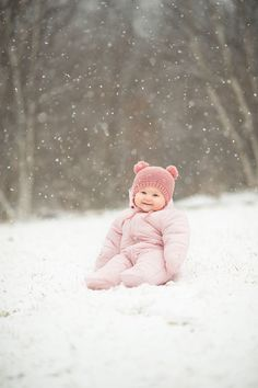 Snow Photography: 6 Tips for Taking Magical Pictures snow photography tipsandtricks justforfun winter creative 263671753170865863 Winter Baby Pictures, Winter Family Photos, Winter Pictures, Snow Family Pictures, Kid Pictures, Baby Girl Pictures, Family Pics, Winter Family Photography, Snow Photography