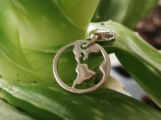 Silver World Charm 925 Silver, Silver Rings, Prayer Box, Globe Pendant, Sterling Silver Necklaces, Heart Ring, Charms, Jewelry Making, Pendants