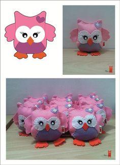 creazioni feltro - regali feltro - pupazzo feltro rosa - almesdesign -handmade - feste bambini - gadget -
