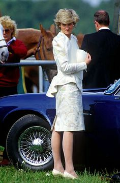 Stock Photo - Princess Diana standing by Prince Charles Aston Martin at Guards Polo Club Windsor Lady Diana Spencer, Spencer Family, Charles And Diana, Prince Charles, Princess Diana Fashion, Polo Match, Hm The Queen, Princes Diana, Before Wedding