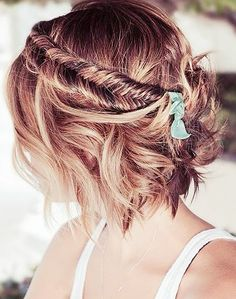 Short hair is great, but in some cases can be limiting. Add a little extra something to a bob or short-do with a fishtail braid. What an easy way to change it up!