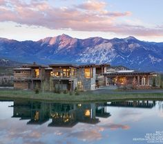 Montana's Yellowstone Club Debuts Luxurious New Clubhouse . Montana's Yellowstone Club Debuts Luxurious New Clubhouse 1 yellowstone club trail - Yellow Things Yellowstone Club, Castle Pines, Golf 2, The Scout Guide, Condominium, Park City, Vacation Spots, Vacation Ideas, Custom Homes