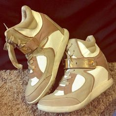 Dope tan and cream sneaker wedges! Slightly worn but still very nice looking sneaker wedges, cute with jeans or leggings for a preppy yet casual look... Wanted Shoes Wedges