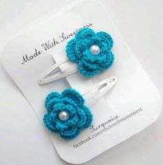 Items similar to Turquoise Flower Hand Crocheted Hair Clip/Bobby Pin/Alligator Clip on Etsy Fashion clip ClipBobby Crocheted Etsy flower Hair Hair clips Hand ITEMS PinAlligator similar turquoise Crochet Hair Clips, Crochet Bows, Crochet Flower Patterns, Crochet Hair Styles, Crochet Gifts, Cute Crochet, Crochet Flowers, Hand Crochet, Crochet Earrings