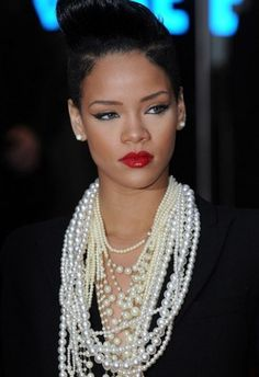 """Get this chic rihanna look using our shadow trio """"sandstone"""" with our liquid eyeliner """"black"""" and moisturizing lip gloss """"ravishing -  #19188"""""""