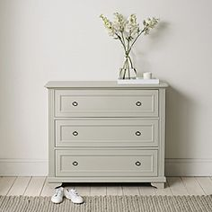 The White Company Provence 3 Drawer Chest Of Drawers Pale Grey Bedroom RRP 795 Chest Of Drawers Decor, Chest Of Drawers Makeover, White Chest Of Drawers, Bedside Drawers, White Chests, Bedroom Drawers, Traditional Chest Of Drawers, Vintage Chest Of Drawers, Bedside Chest