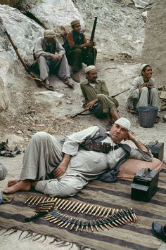 Afghanistan / Photography by Steve McCurry / Here you can download Steve's FREE PDF Catalog and order PRINTS /stevemccurry.com/...