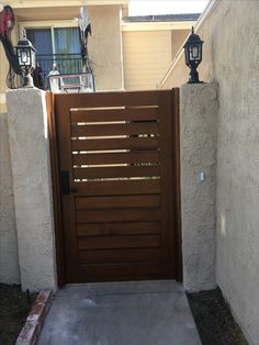 Custom Wood Gate by Garden Passages with Slatted and Splined Horizontal Body Side Gates, Front Gates, Front Gate Design, Fence Design, Garden Doors, Garden Gates, Backyard Door, Side Yard Landscaping, Front Courtyard