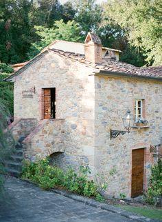 Valle di Badia romantic wedding inspiration Tuscany. Tuscany Wedding Venue, Italy Wedding, Wedding Venues, Lake Como Wedding, Romantic Wedding Inspiration, Wedding Shoot, Engagements, Provence, Fine Art