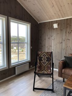 Knock On Wood, Attic Renovation, Log Homes, Sunroom, Most Beautiful Pictures, Colours, Interior Design, House, Furniture