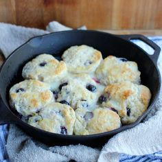 Buttermilk biscuits are so quick to throw together. These blueberry biscuits with lemon glaze are a great way to change up your biscuits and make for a great weekend breakfast! Change up your blueberry muffin…