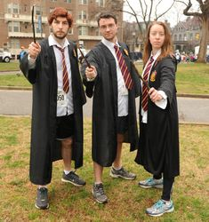 Here is Harry Potter Outfit Ideas Pictures for you. Harry Potter Kids Costume, Hagrid Costume, Harry Potter Fancy Dress, Hogwarts Costume, Harry Potter Groups, Theme Harry Potter, Harry Potter Cosplay, Harry Potter Outfits, Halloween Running Costumes