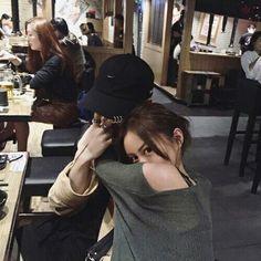Ulzzang World Photo: Ulzzang couple♥ Mode Ulzzang, Ulzzang Girl, Cute Korean, Korean Girl, Parejas Goals Tumblr, Bts Imagine, Korean Couple, Ulzzang Couple, Couple Aesthetic