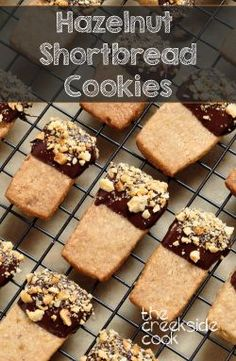 , these shortbread cookies are the perfect Christmas cookie! Hazelnut ...