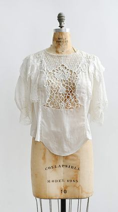 antique 1900s Victorian lace work puff sleeve top | www.adoredvintage.com