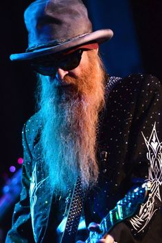 ZZ Top's Billy Gibbons is prepping a solo Latin album and talked to Dave Grohl about handling multiple bands. Zz Top Billy Gibbons, Frank Beard, Delta Blues, Boogie Woogie, Great Pic, Dave Grohl, Rock Legends, Classic Rock, Music Is Life