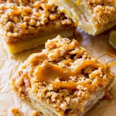 These salted caramel apple pie bars are sure to be a hit with everyone! They are so much easier to make than an apple pie, too! Apple Desserts, Apple Recipes, Dessert Recipes, Bar Recipes, Baking Recipes, Salted Caramel Apple Pie, Caramel Apples, Rice Krispies, Nutella