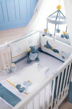 noukie 39 s collection victoria lucie beauty case prot ge carnet de sant lucie small. Black Bedroom Furniture Sets. Home Design Ideas