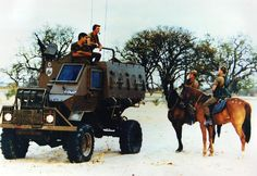 The military defense forces of South Africa in Angola. Military Gear, Military Photos, Military History, Military Vehicles, West Africa, South Africa, Defence Force, Tactical Survival, Armored Vehicles
