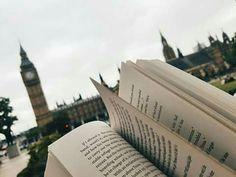 Sper sa va placa cartea. Nu stiu daca o sa fie 10.000 de poze,s-ar pu… #altele # Altele # amreading # books # wattpad