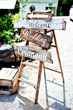 Get creative with signs on your wedding day | Michael Kaal Photography