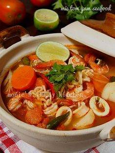 Noodle Recipes, Soup Recipes, Cooking Recipes, Recipies, Tom Yam Soup, Tom Yum Paste, Indonesian Cuisine, Indonesian Recipes, Mie Goreng