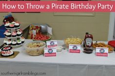 Owen's choice of entree gold (chicken) nuggets, pizza treasure map, hot dog ships Princess Birthday Party Decorations, Birthday Party Snacks, Birthday Party Tables, Carnival Birthday Parties, Pirate Birthday, Frozen Birthday Party, Party Treats, Diy Party Decorations, Pirate Theme