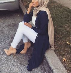 Hijab Fashion Selection of over 100 looks in trendy and chic Abaya - Hijab Fashion Selection of over 100 looks in trendy and chic Abaya Hijab Fashion 2017 -Modern Abaya - Look 03 Hijab Fashion 2017, Arab Fashion, Modern Hijab Fashion, Islamic Fashion, Muslim Fashion, Modest Fashion, Trendy Fashion, Fashion Outfits, Modern Abaya