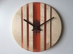Unique Wall Clocks, Wood Clocks, Unique Wall Decor, Diy Wall Decor, Diy Wall Clocks, Diy Clock, Clock Decor, Clock Ideas, Small Clock