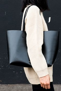 MINIMAL + CLASSIC: fall chunky knit with MG tote